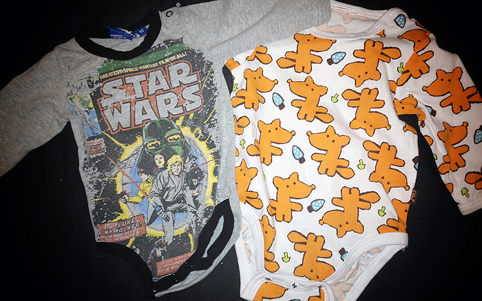 Käytetty Star Wars body ja uusi kettubody / Used Star Wars onesie and new Fox onsie :)